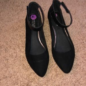 Kenneth Cole pointed ballerina flats